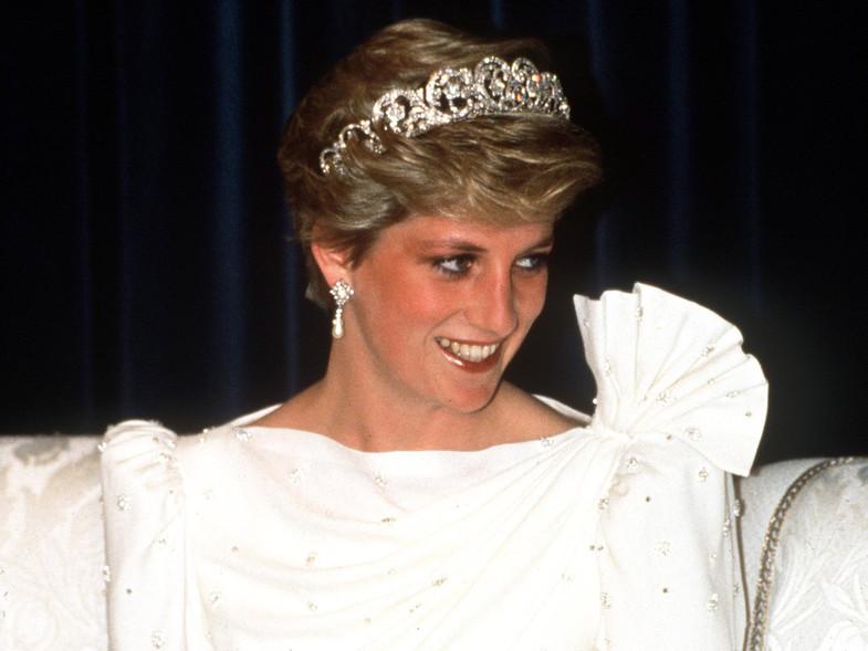 Subastan por 100.000 libras un vestido de Diana vendido por 200 en una tienda de segunda mano