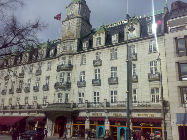 Oslo-despide-a-su-Grand-Cafe-