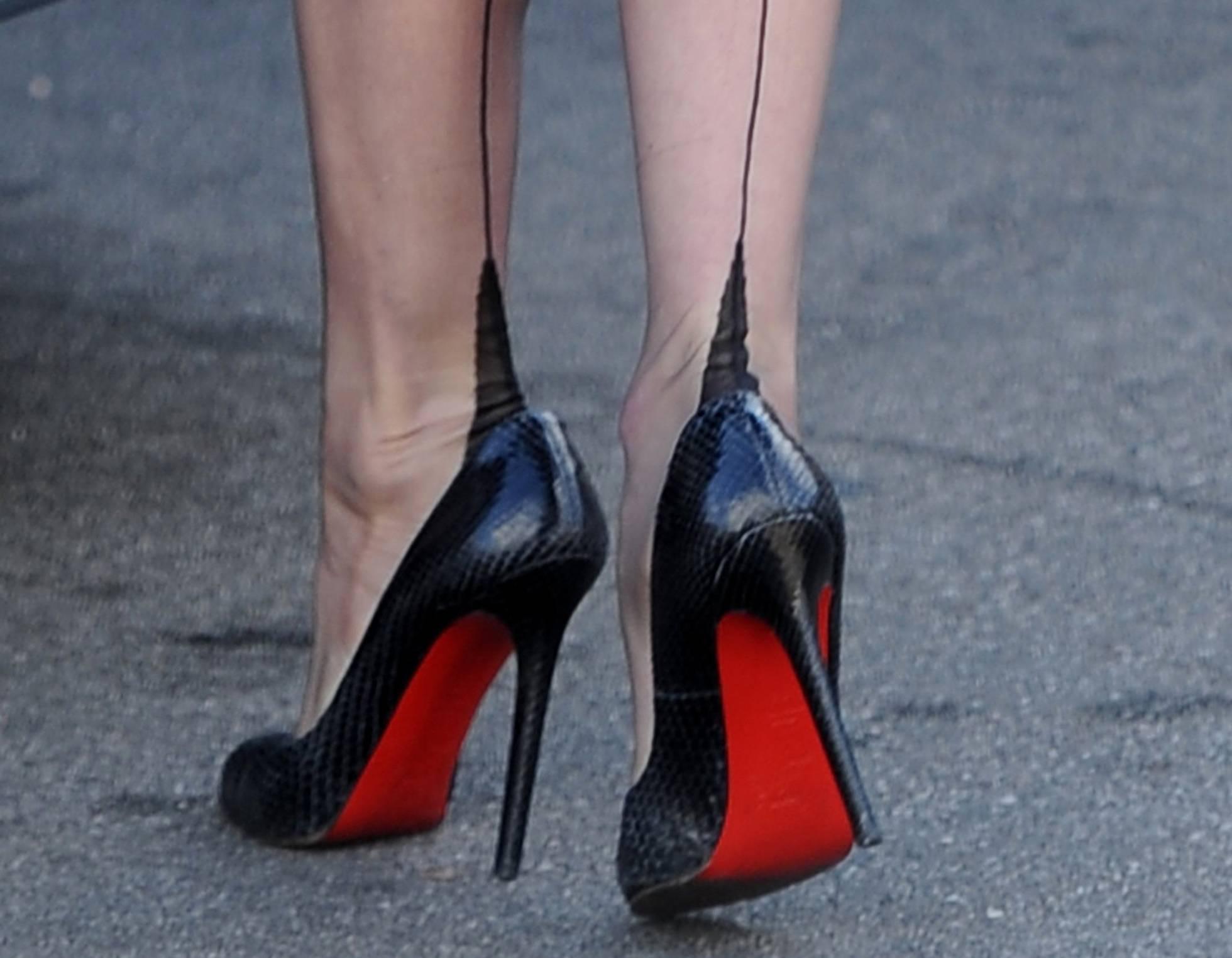 La justicia europea reconoce la exclusividad de Louboutin para las suelas rojas de los zapatos
