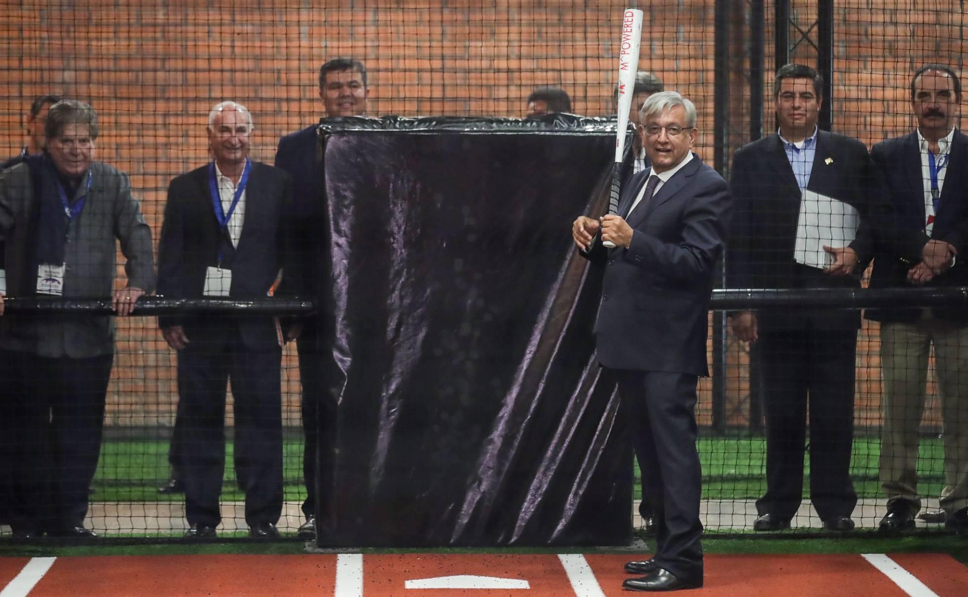 López Obrador convierte al béisbol en un asunto de Estado