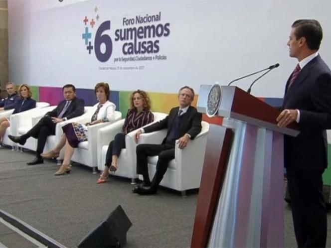 EPN reprueba el bullying a policías; responde a críticas de ONG