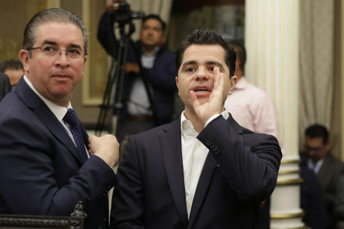 Por defender a MEAH, García Almaguer pierde los estribos en tribuna del Congreso