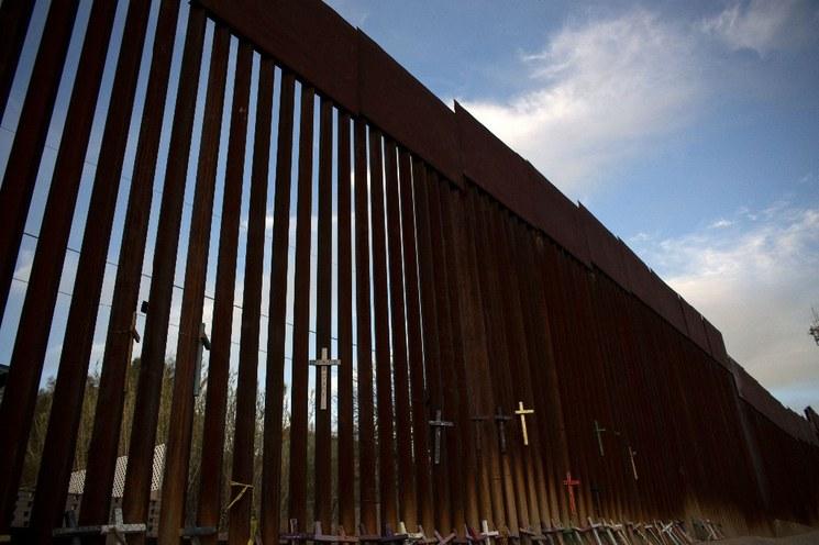 Trump enviará 100 mil miembros de Guardia Nacional a la frontera: Ap