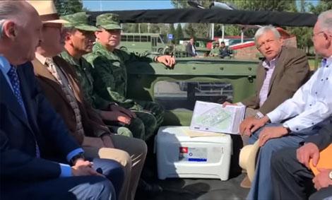 Encabeza López Obrador visita al aeropuerto militar