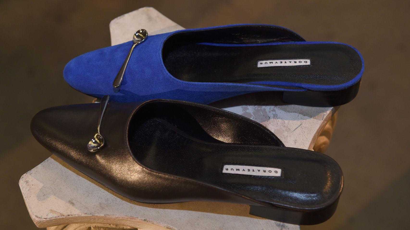 Los zapatos desparejados, la nueva tendencia en calzado
