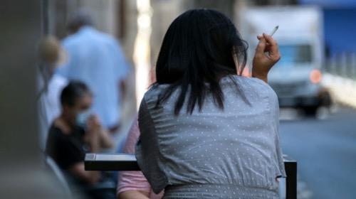 España cierra el ocio nocturno y prohibe fumar en la vía pública