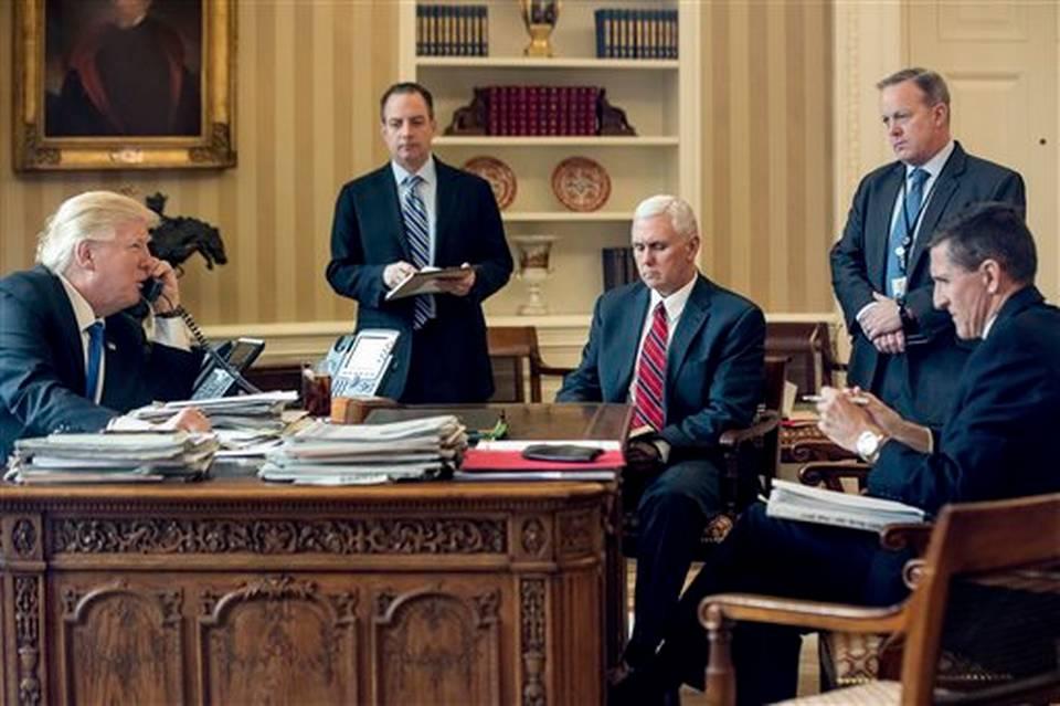 La crisis apabulla el joven gobierno de Trump