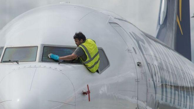Coronavirus: cuáles son los métodos para desinfectar los aviones en medio de la pandemia