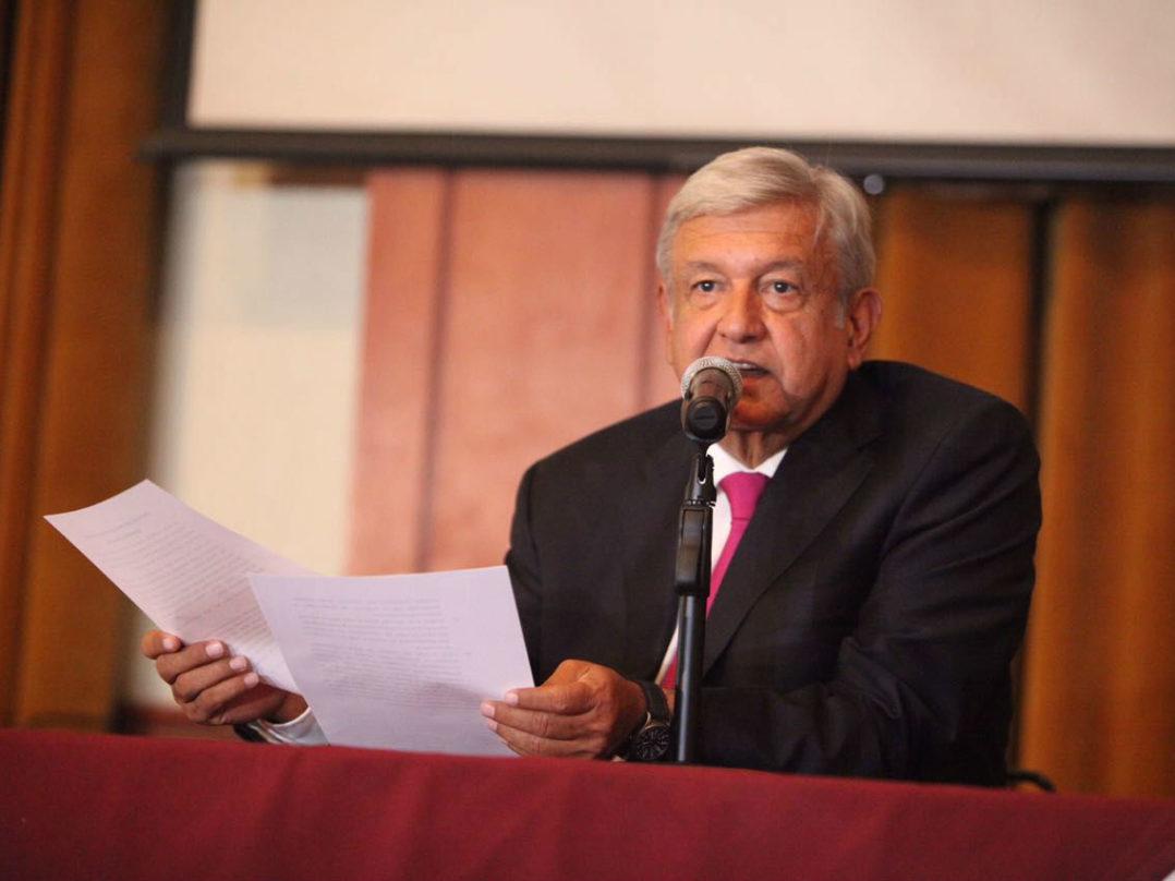 AMLO propone juzgar la corrupción y la violación a las libertades electorales como delitos graves