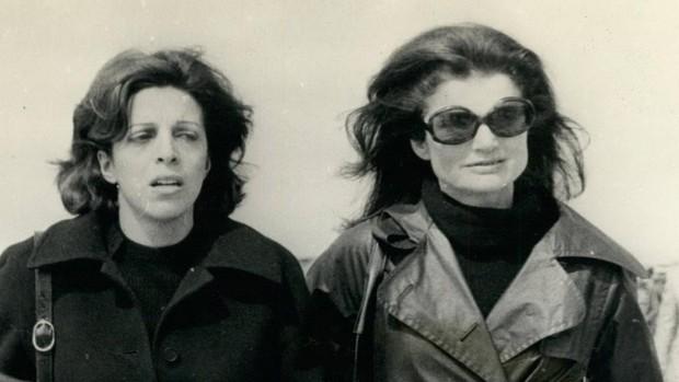 Sale a subasta el documento con el que Jackie y Christina Onassis firmaron la paz