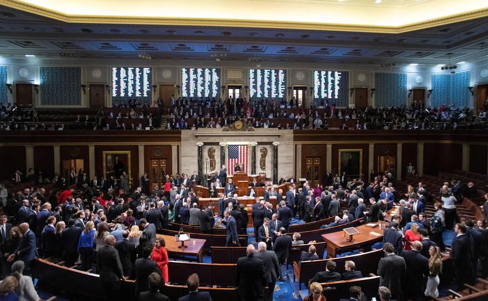 Aprueban en EEUU una resolución que limita las acciones militares contra Irán