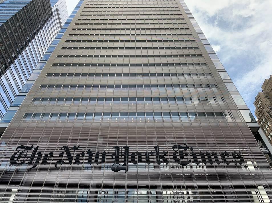 Demoledor adiós de una editora del NYT que denuncia que el periódico está en manos de