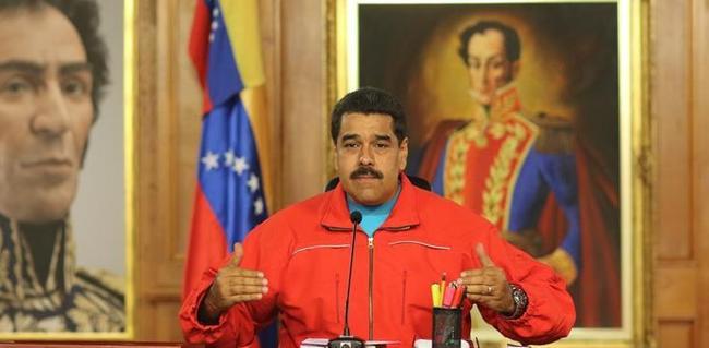 Maduro reta al nuevo Parlamento a convocar un referéndum para revocarlo