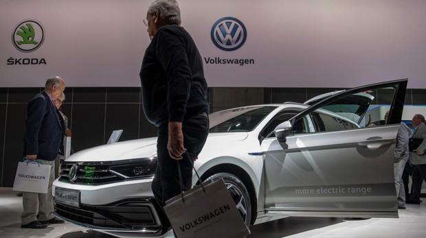 Los accionistas de Volkswagen, contra el coche eléctrico